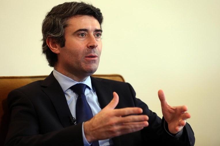 O secretário de Estado das Comunidades Portuguesas José Luís Carneiro