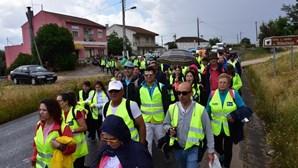Trinta mil peregrinos caminham para Fátima