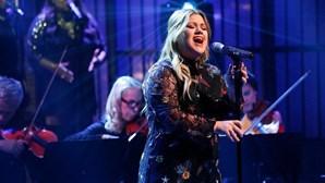 Kelly Clarkson confirmada como jurada no The Voice