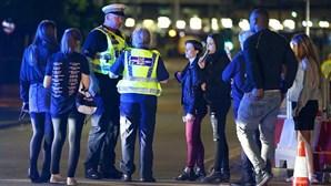 Detido em Manchester jovem suspeito de participar no atentado terrorista durante concerto de Ariana Grande em 2017