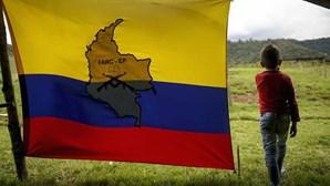 Adolescente entre os cinco mortos em tiroteio na Colômbia