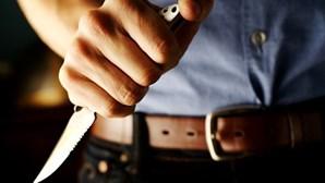Rapariga ameaçada com faca para sexo por colega de escola em Setúbal
