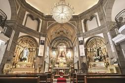 Imagem do interior do Mosteiro de Pombeiro, construído em 1059