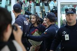 Chegar perto do 'fenómeno' Salvador foi tarefa quase impossível para os fãs