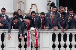 Benfica na varanda da CML