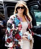 Melania Trump usa casaco que custa 46 mil euros