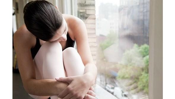 Jovens e mulheres duas vez mais propensos para depressão e ansiedade durante confinamento