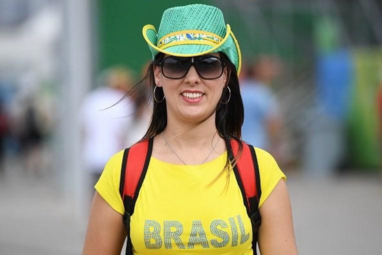 Empresa só quer contratar brasileiras ou 'nacionalidades igualmente alegres'