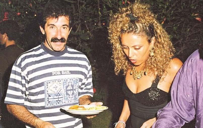 O casal desfez-se em 1993, após o regresso a Portugal. No divórcio foi feita referência a violência doméstica, tema de que Anabela falava no Facebook