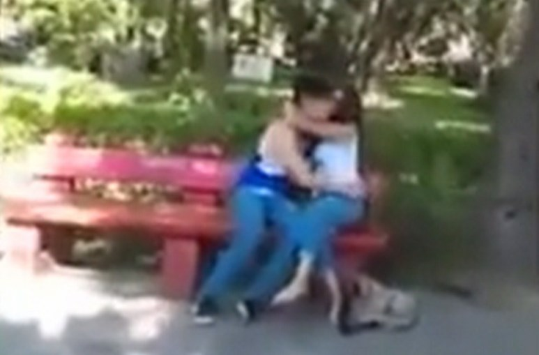 Filma traição de namorado da filha e publica vídeo nas redes sociais