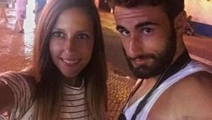 Beleza da namorada de Rafa Silva faz sucesso