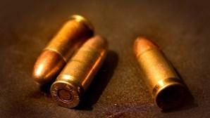 Menino vê pai levar dois tiros após discussão em bairro de Lisboa
