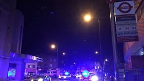 Veja as primeira imagens do atropelamento em mesquita de Londres