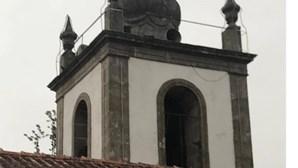 Raio atingiu e danificou torre de igreja em Marco de Canaveses
