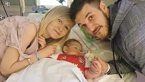 Pais do bebé Charlie em tribunal para que o filho possa morrer