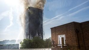 Revestimento de Torre Grenfell não era anti-fogo para poupar 340 mil euros