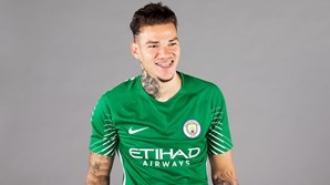 Ederson com a camisola do Manchester City