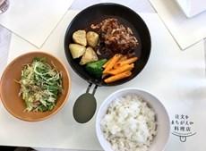 No Restaurante dos Pedidos Errados o prato principal é a boa disposição dos empregados