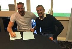 Depoitre assinou pelo Huddersfield