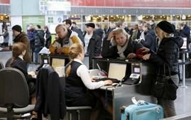Passageiros do aeroporto de Kiev sofreram com os caos provocado pelo ciberataque