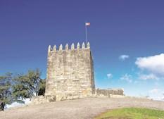 Castelo de Lanhoso é o ex-líbris monumental do concelho