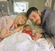 Os pais querem submeter o bebé a um tratamento experimental nos EUA
