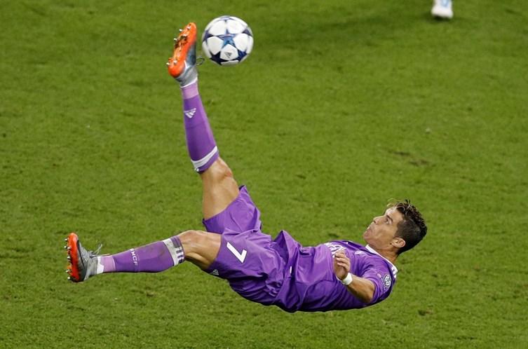 5a7f94c0b4 Real de Madrid vence  Champions  com dois golos de Ronaldo - Futebol ...