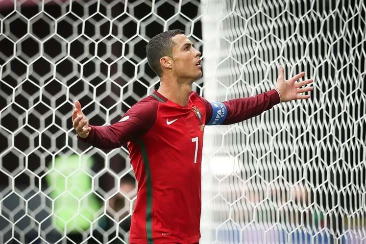 eafa62ef97 Loucura por Cristiano Ronaldo no apoio a Portugal - Futebol ...