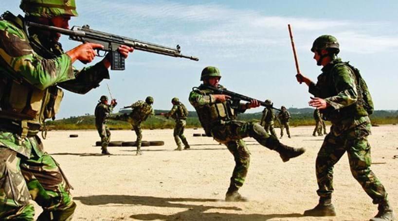 12cd354e07fbc Treze militares recebem esta sexta-feira a boina de Comandos ...