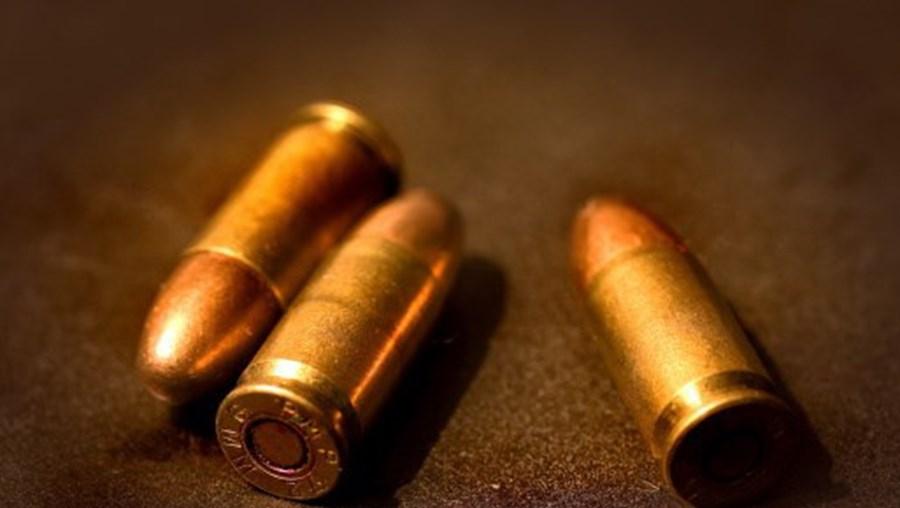 Vítima atingida a tiro