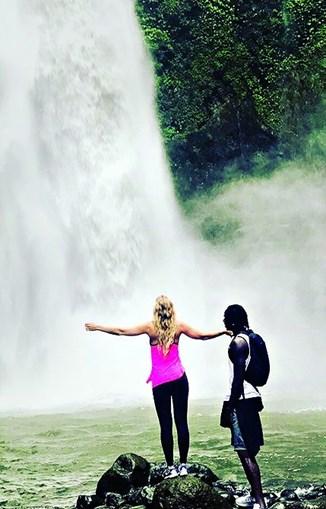 Eder viajou até Bali com a noiva, Sanna