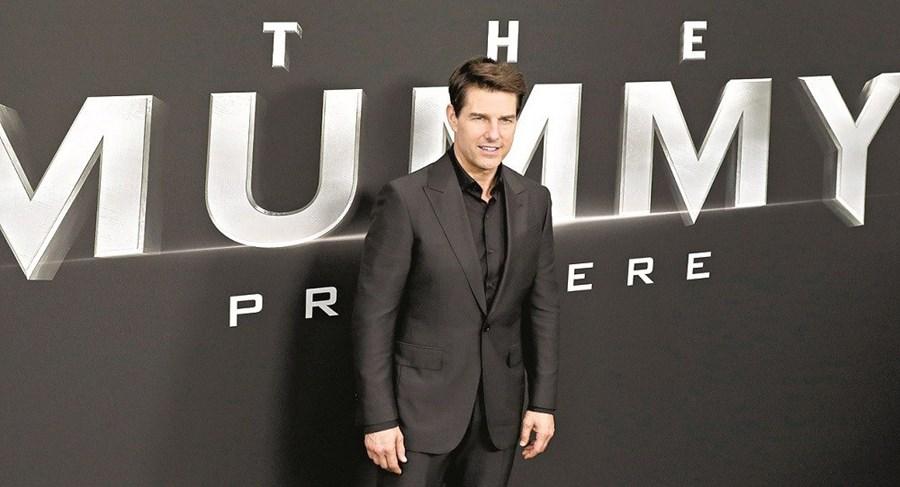 Tom Cruise fotografado na estreia do filme 'A Múmia' em Nova Iorque