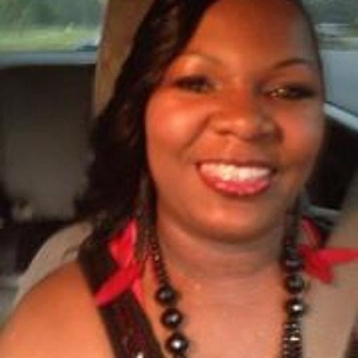 Natwaina Clark roubou dinheiro para fazer cirurgia plástica ao rabo