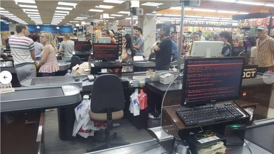 Num supermercado de Kiev, todos os computadores das caixa parecem infetados