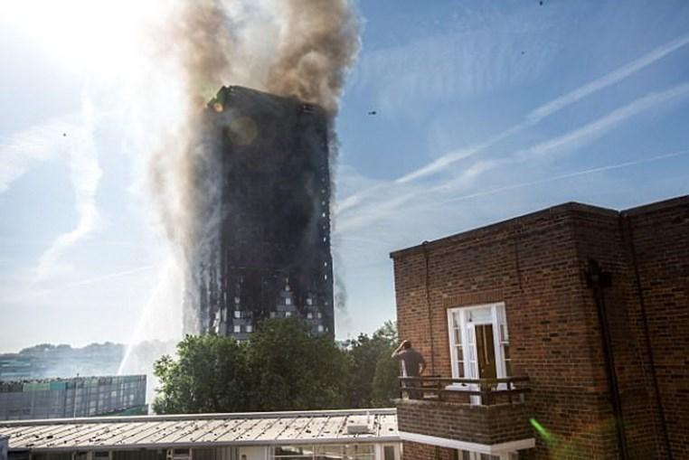 Residentes da Grenfell Tower viveram momentos de horror no fogo que destruiu o edifício em Londres