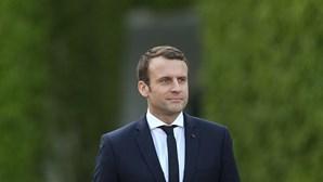 Macron termina viagem à Europa de Leste e reforça a pressão sobre a Polónia