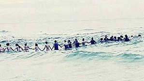 Corrente humana salva família de afogamento