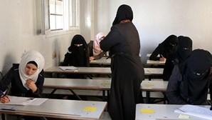 Pelo menos dez mortos em ataque sírio-russo contra escola na Síria