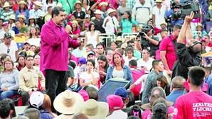 Maduro lança ofensiva contra magistrados na Venezuela