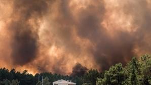 Aldeias evacuadas em Mação. Marcelo chegou ao local do incêndio