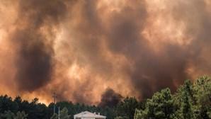 Fogo de Vila Velha de Ródão passou o Tejo e está já no concelho de Nisa