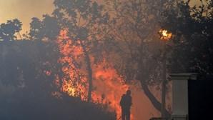 Chamas ameaçam hospital, hotel e casas em Setúbal