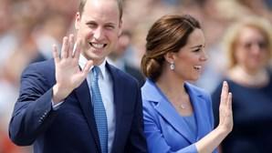 """Príncipe William critica viagens espaciais e atira: """"grandes mentes devem concentrar-se em reparar o planeta Terra"""""""