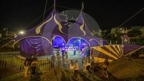 Queda de bancada em circo faz dezenas de feridos