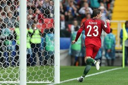 Adrien marcou de penálti o golo que deu a vitória a Portugal