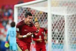Pepe marcou o golo do empate que levou Portugal à vitória nos descontos
