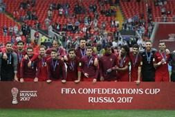 Equipa portugesa celebra a conquista do 3º lugar na Taça das Confederações