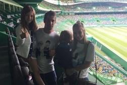 Fábio Coentrão fotografado no Estádio de Alvalade