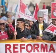 Antigos salários estão a ser valorizados aos padrões atuais, o que permite uma ligeira subida da pensão recebida