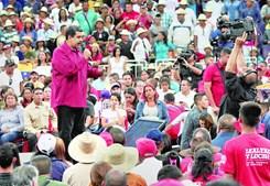 Presidente reforça braço de ferro com a oposição a poucos dias das eleições para a Assembleia Constituinte